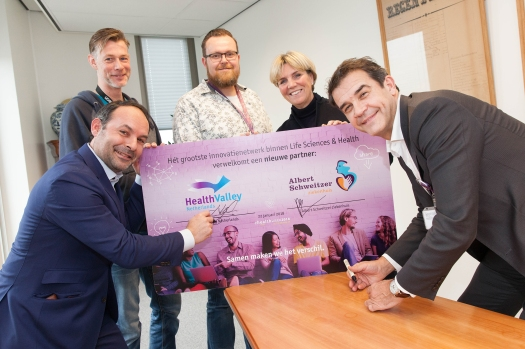 ondertekening, Health Valley, cheque, RvB, innovatie